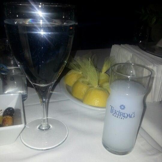 12/21/2012 tarihinde Murat D.ziyaretçi tarafından Foça Fish Gourmet'de çekilen fotoğraf