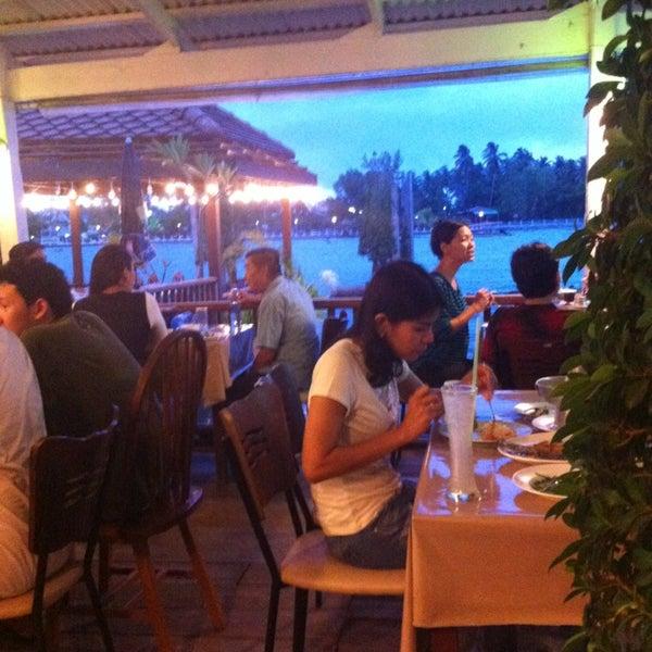 Photo taken at Baan Chom View by Kawee J. on 5/24/2013