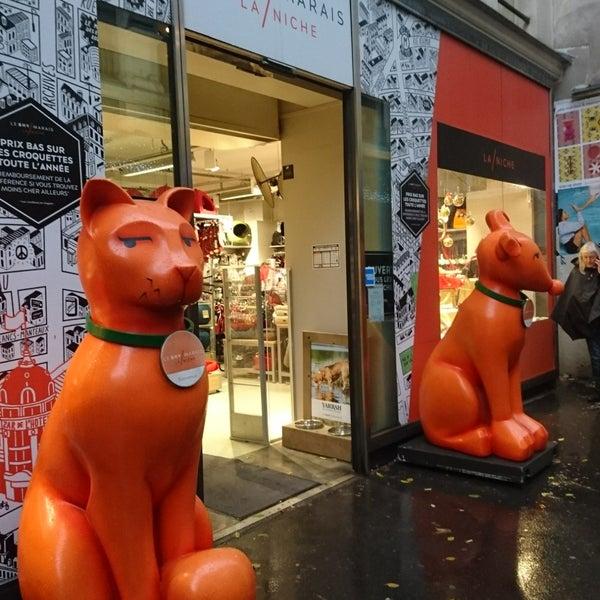 photos at bhv marais la niche pet store in paris. Black Bedroom Furniture Sets. Home Design Ideas