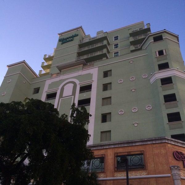 Photo taken at Riverside Hotel by Robert E. on 12/17/2014