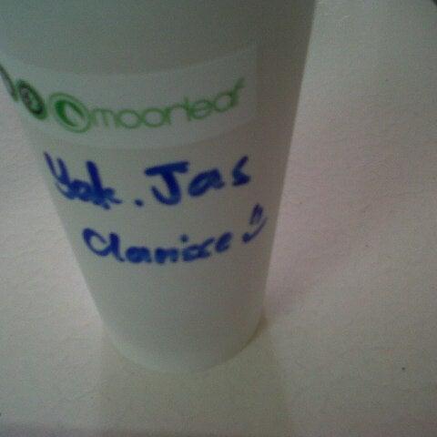 Photo taken at Moonleaf Tea Shop by Gladys T. on 12/27/2012