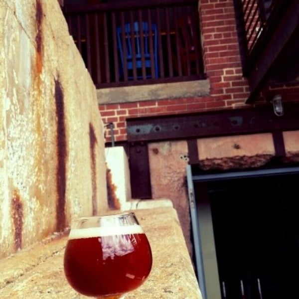 Photo taken at Haw River Farmhouse Ales by Robin C. on 5/21/2016