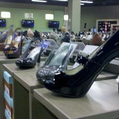 Laurie Shoe Store