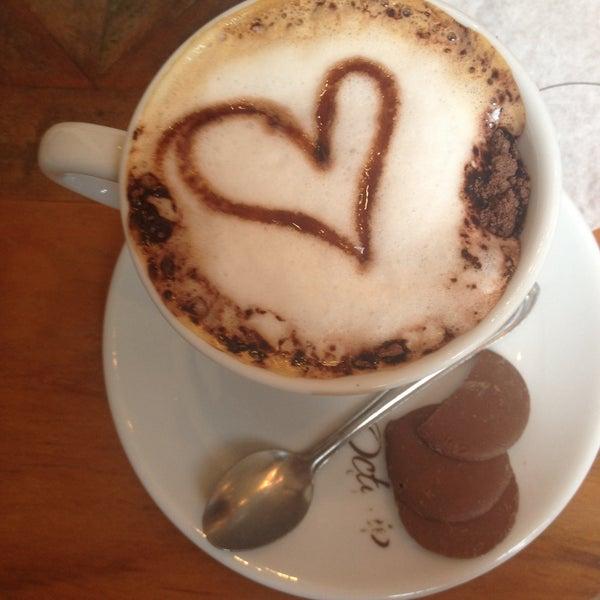 Foto tirada no(a) Florbela Café por Brunno C. em 1/4/2015
