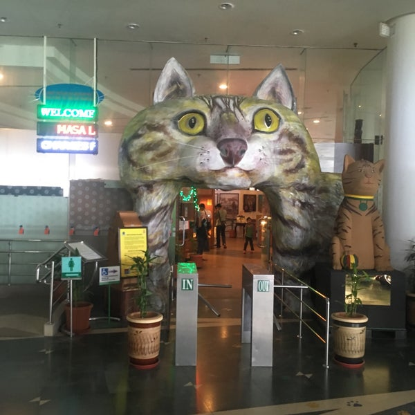 Photo taken at Muzium Kucing (Cat Museum) by Muhammad K. on 5/21/2017
