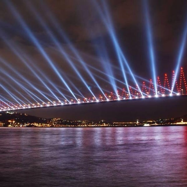 Photo taken at Fatih Sultan Mehmet Bridge by 👑👑👑Osman🔥🔥🔥 on 11/5/2013