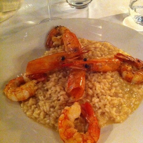 Foto scattata a Trattoria Pizzeria Galleria da Tania L. il 1/16/2014