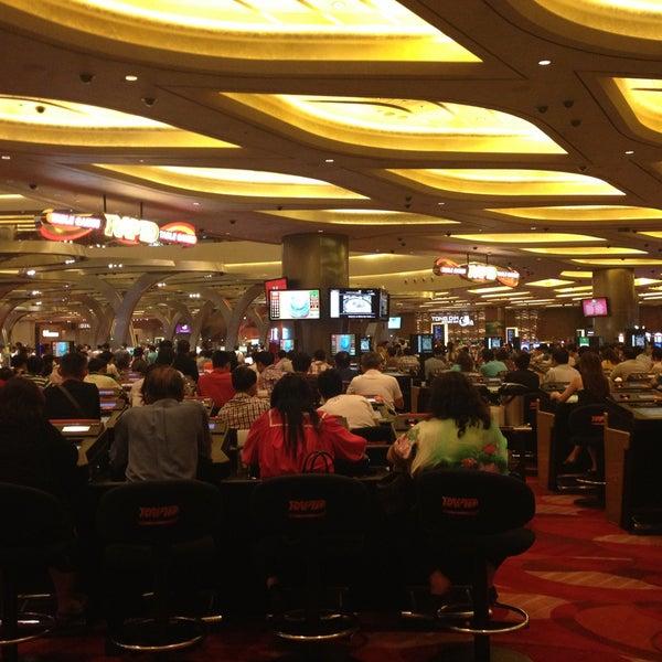 Photo taken at Marina Bay Sands Casino by Jessie H. on 5/4/2013