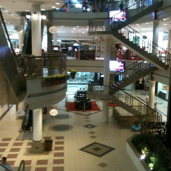 Foto tirada no(a) Shopping Del Paseo por Venicio M. em 2/18/2013