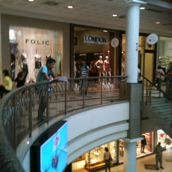 Foto tirada no(a) Shopping Del Paseo por Venicio M. em 3/26/2013