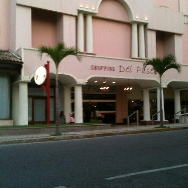Foto tirada no(a) Shopping Del Paseo por Venicio M. em 3/4/2013