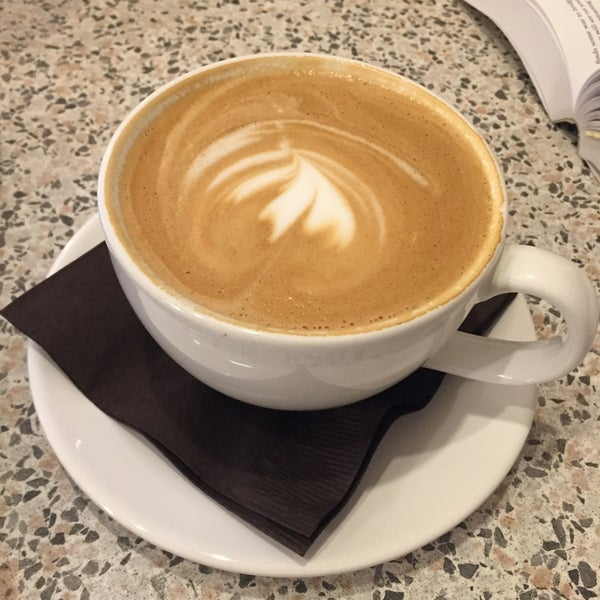 Photo taken at Hubbard & Cravens Coffee and Tea by Arvind H. on 9/24/2017