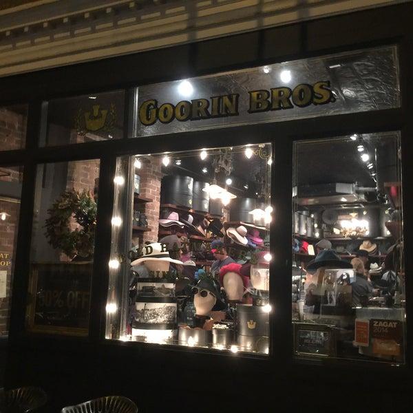 Снимок сделан в Goorin Bros. Hat Shop - West Village пользователем David V. 12/27/2015