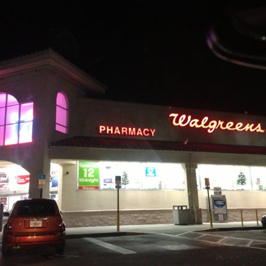 Photo taken at Walgreens by Mooney M. on 12/14/2012