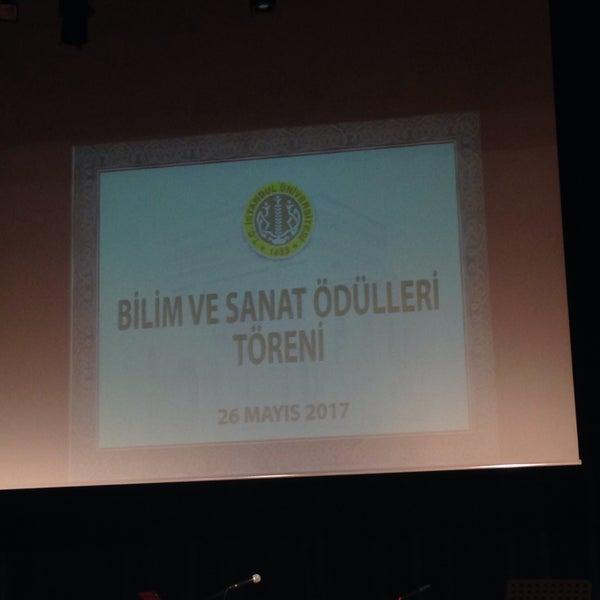 5/26/2017 tarihinde Cigdem Yalcinziyaretçi tarafından İstanbul Üniversitesi Kongre Kültür Merkezi'de çekilen fotoğraf