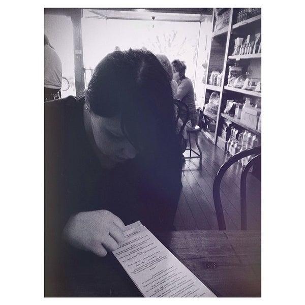 รูปภาพถ่ายที่ Anonymous Café โดย Ryan J. เมื่อ 2/16/2014