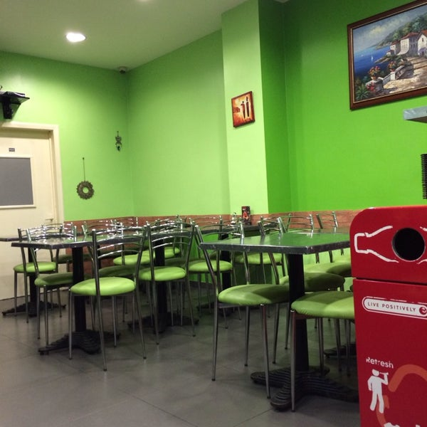 snack 5 toiles fast food restaurant in jette centre. Black Bedroom Furniture Sets. Home Design Ideas