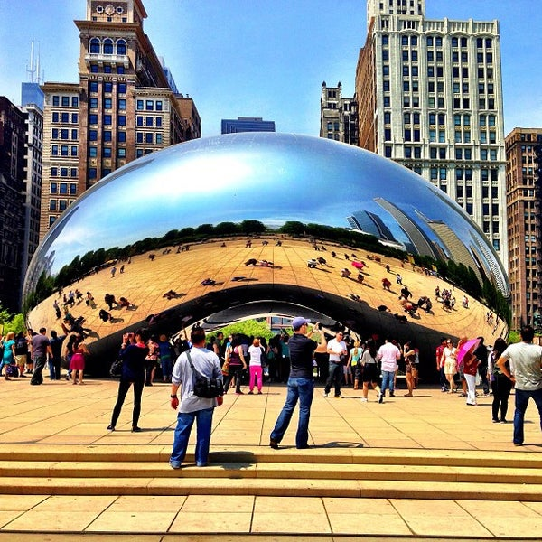 Photo taken at Cloud Gate by Anish Kapoor by Ernie L. on 5/19/2013