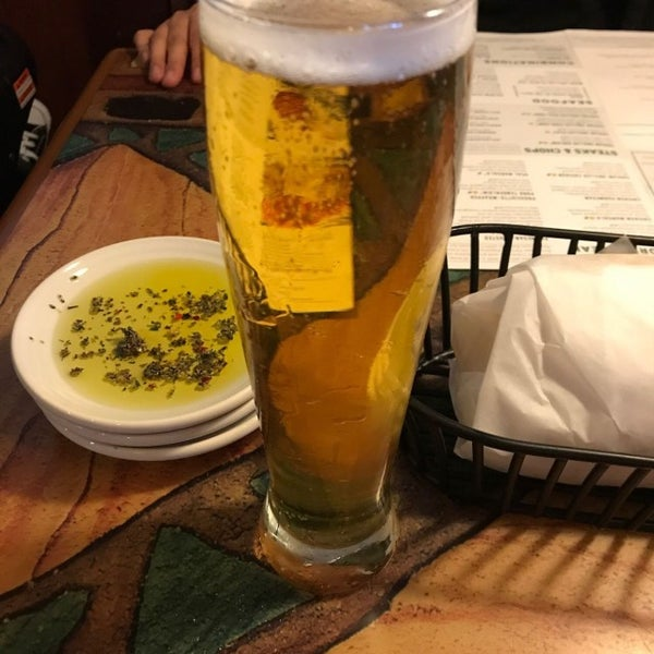 Photo taken at Carrabba's Italian Grill by Francisco S. on 5/10/2017