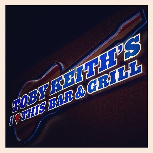 Photo taken at Toby Keith's I Love This Bar & Grill by Dr. Steve W. on 12/7/2013