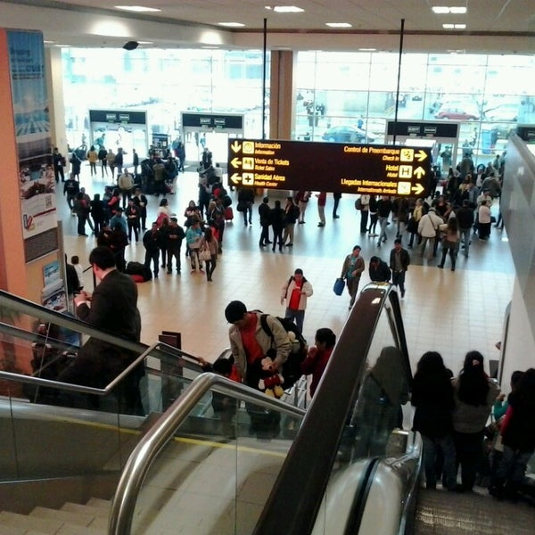 Photo taken at Jorge Chávez International Airport (LIM) by yersonhb on 8/31/2013