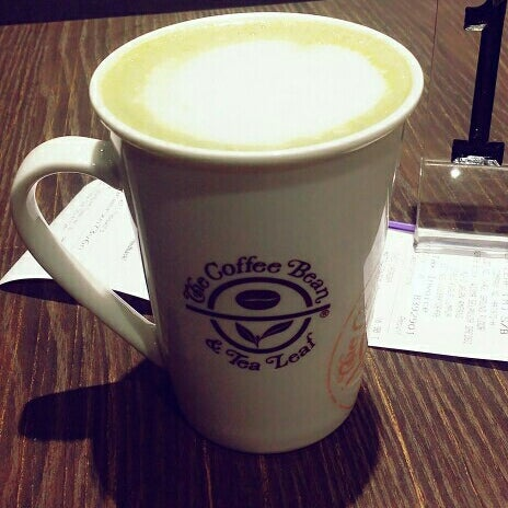 Photo taken at The Coffee Bean by Domo Q. on 11/24/2016