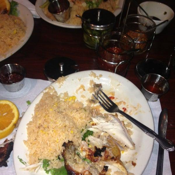 รูปภาพถ่ายที่ Thai Original BBQ & Restaurant โดย Louie G. เมื่อ 6/23/2013