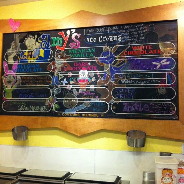 2/27/2013 tarihinde Jared B.ziyaretçi tarafından Amy's Ice Creams'de çekilen fotoğraf