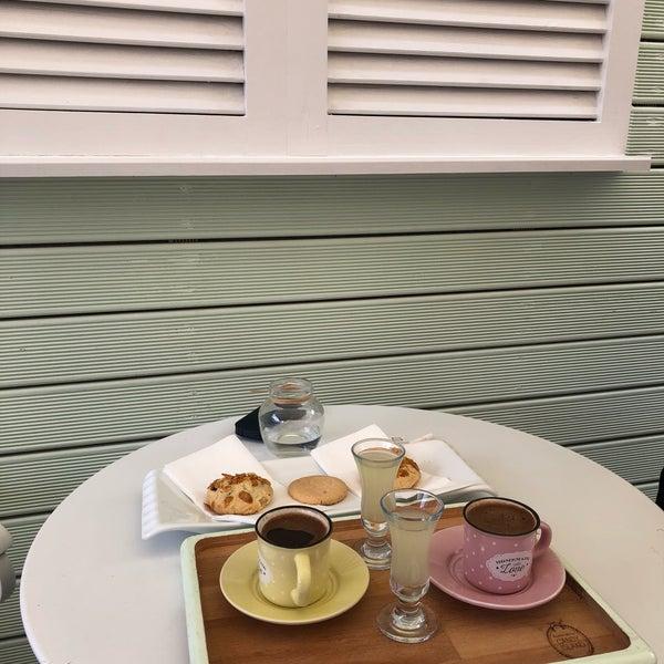 Kurabiyeler,Çay ve sunum mükemmele yakın