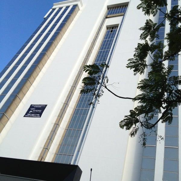 Edificio dhl el poblado cra 43a no 16a sur 38 for Oficinas de dhl en madrid