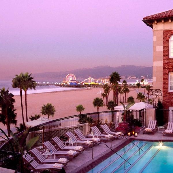 รูปภาพถ่ายที่ Casa Del Mar Hotel โดย Casa Del Mar Hotel เมื่อ 7/16/2014