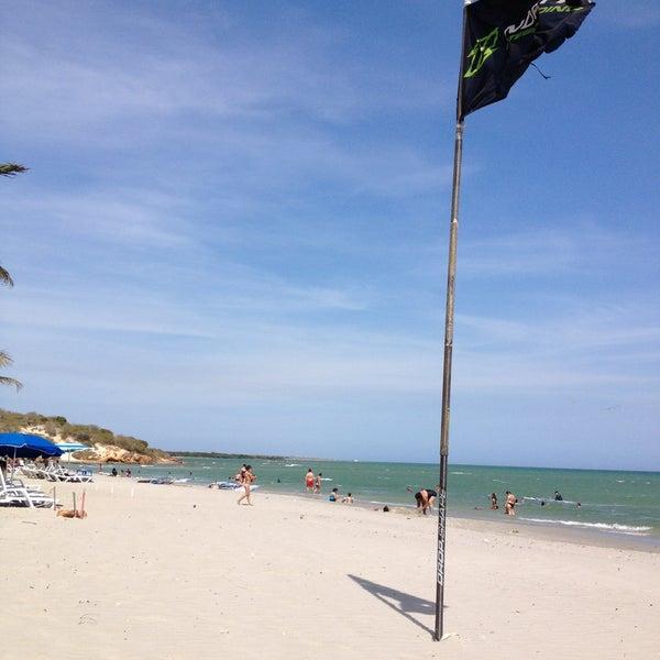 Just great!!!.. Awesome!!..  Excelente playa para pasarla cool, en pareja genial..