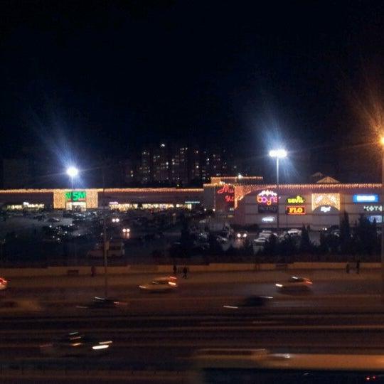 12/26/2012 tarihinde Mu®at P.ziyaretçi tarafından Beylikdüzü Migros AVM'de çekilen fotoğraf