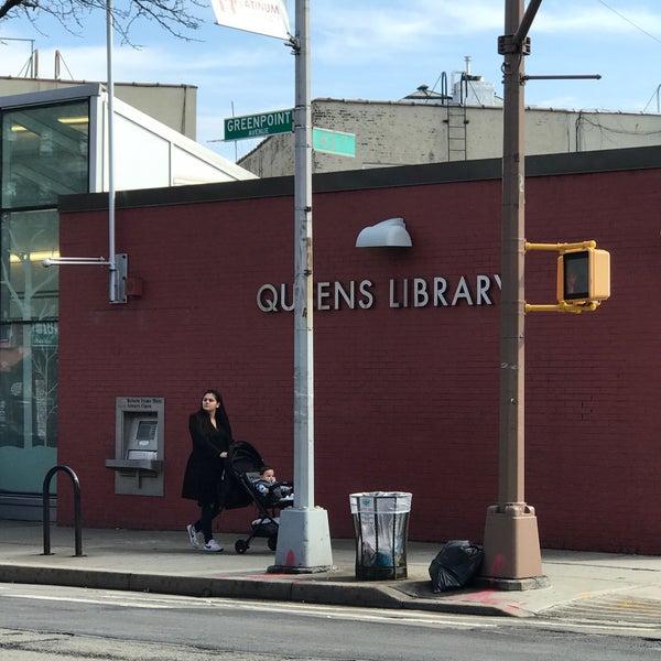 Foto tomada en Queens Library at Sunnyside por Jesse H. el 2/20/2018