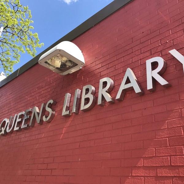 Foto tomada en Queens Library at Sunnyside por Jesse H. el 5/2/2017
