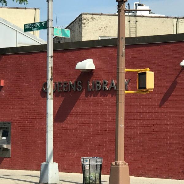 Foto tomada en Queens Library at Sunnyside por Jesse H. el 6/14/2017