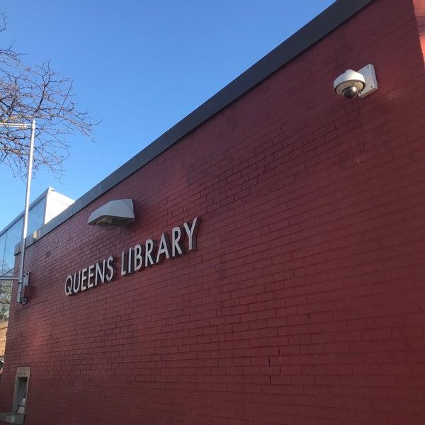 Foto tomada en Queens Library at Sunnyside por Jesse H. el 12/26/2017