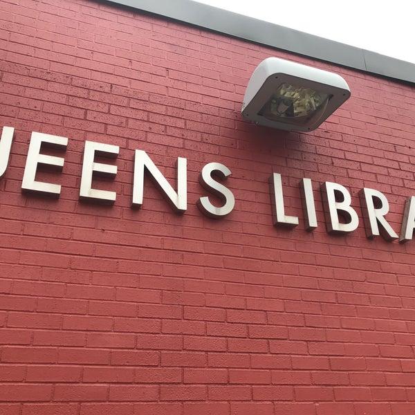 Foto tomada en Queens Library at Sunnyside por Jesse H. el 12/15/2017