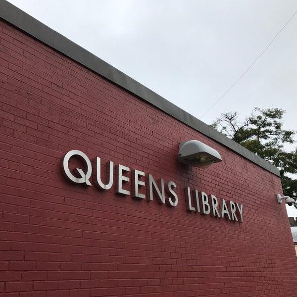 Foto tomada en Queens Library at Sunnyside por Jesse H. el 10/9/2017