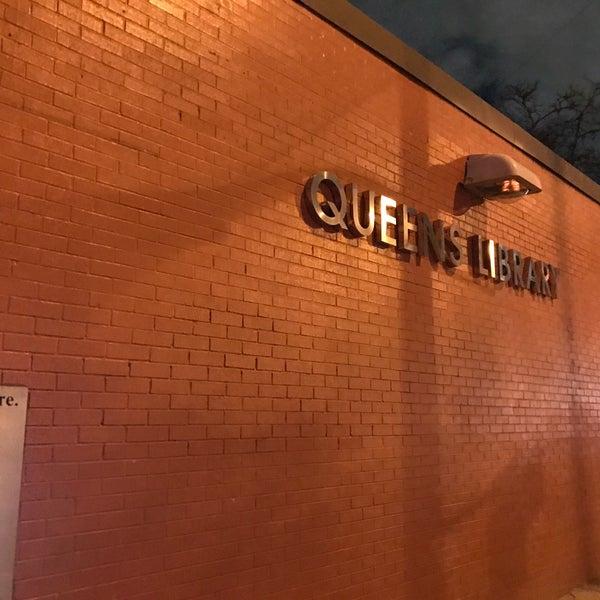 Foto tomada en Queens Library at Sunnyside por Jesse H. el 3/4/2017