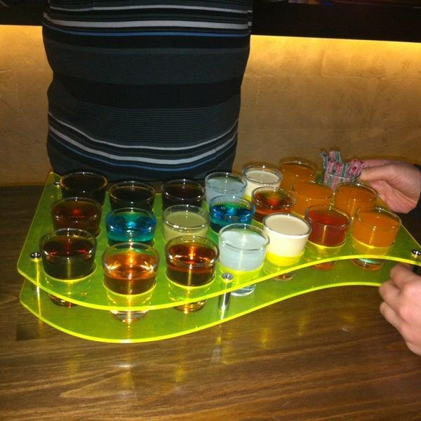 12/24/2012 tarihinde Yasemin B.ziyaretçi tarafından Up Shot Bar'de çekilen fotoğraf