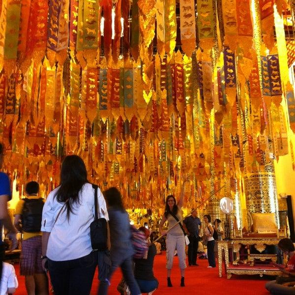Photo taken at Wat Chedi Luang Varavihara by Nes on 1/1/2013