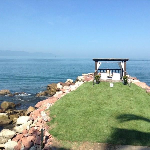 Foto tomada en Sunset Plaza Beach Resort & Spa por Claudia F. el 7/19/2013