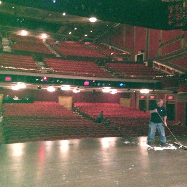 4/24/2013にLizz H.がBroadway Theatreで撮った写真