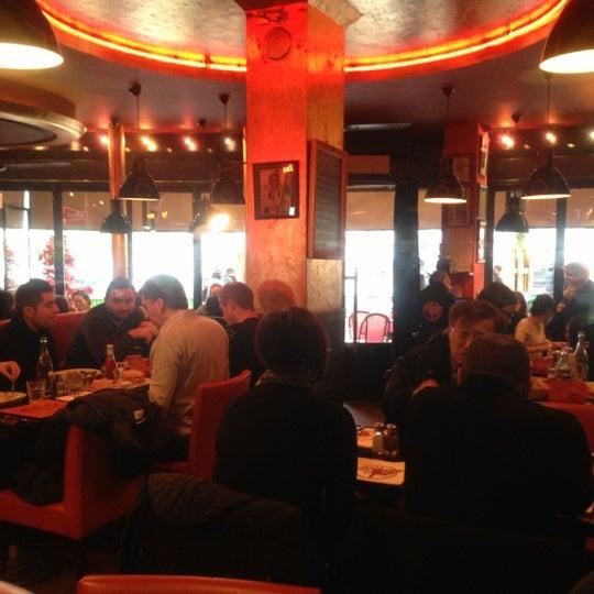 Photo taken at Indiana Café – République by León L. on 12/7/2012