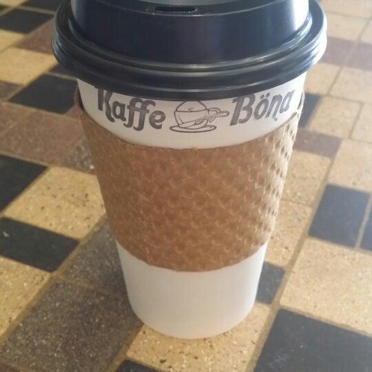 Foto diambil di Kaffe Bona oleh Daniel R. pada 3/11/2014