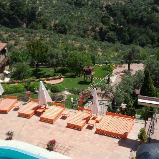 5/25/2013 tarihinde Ebru Y.ziyaretçi tarafından Öngen Country Hotel'de çekilen fotoğraf