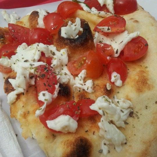 Foto scattata a Mamma Mia Pizza & FastGood da Giovanna M. il 4/26/2013