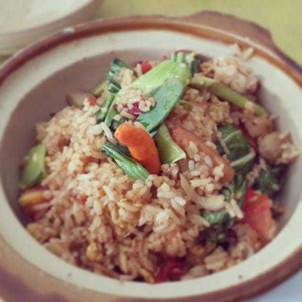 Photo taken at Phuket Thai Resto by Manunggal W. on 1/24/2014