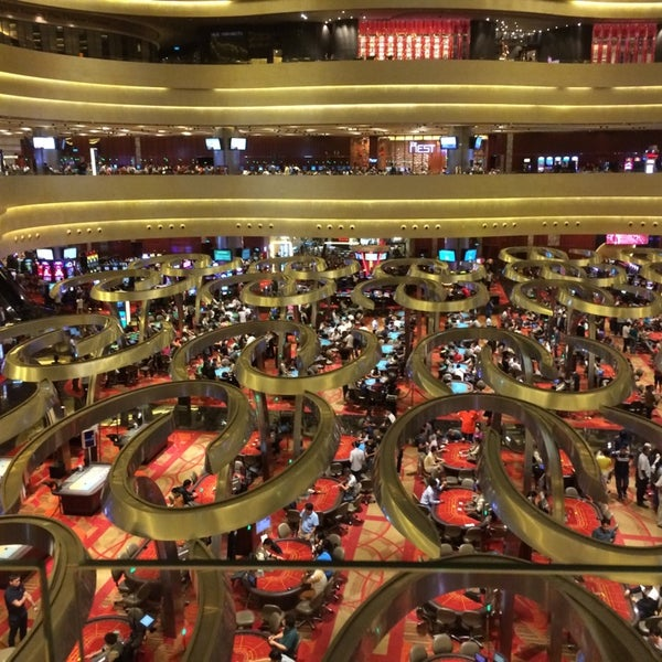 Photo taken at Marina Bay Sands Casino by Henry S. on 6/28/2014